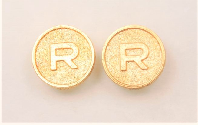 Gold Grip Medallion R Logo