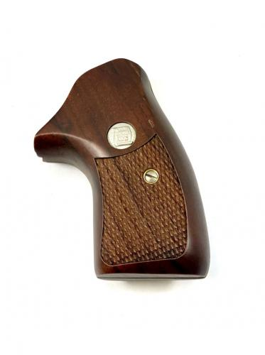Charter Arms Walnut Grip Checkered, Second