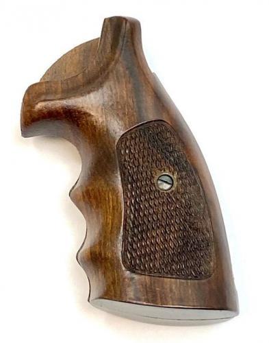 Smith & Wesson Walnut K Frame Finger Groove BG - 923BG