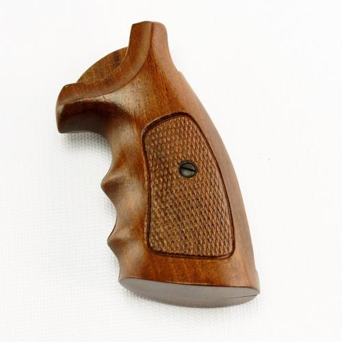 Smith & Wesson Walnut Checkered Finger Groove - 923
